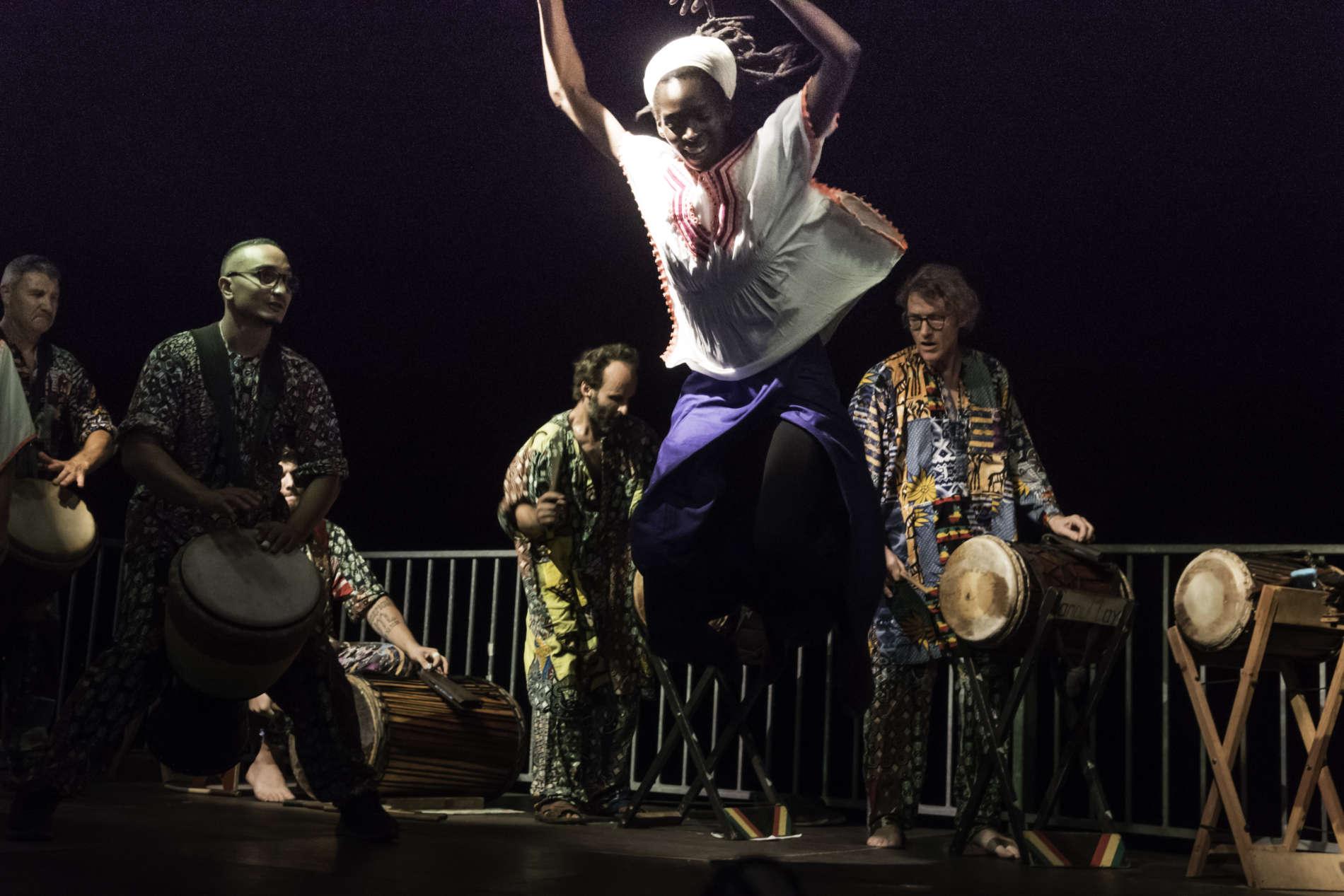 Atelier de danses traditionnelles d'Afrique de l'ouest, à Mouans-Sartoux, le 23/06/2019